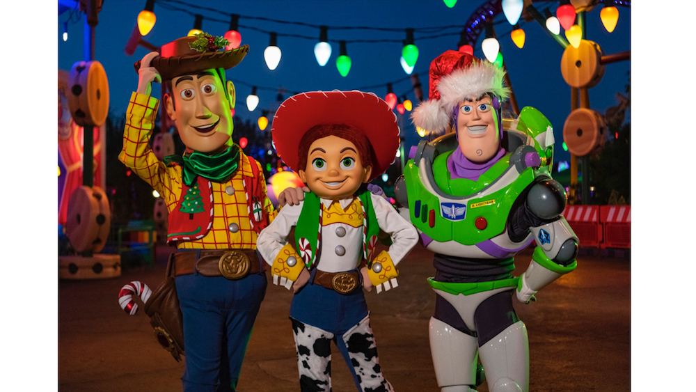Toy Story Holidays : Toy story land gets festive for the holidays allears