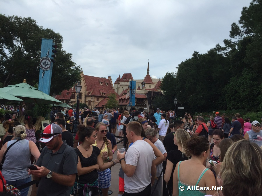 Epcot Crowds during Food and Wine Festival