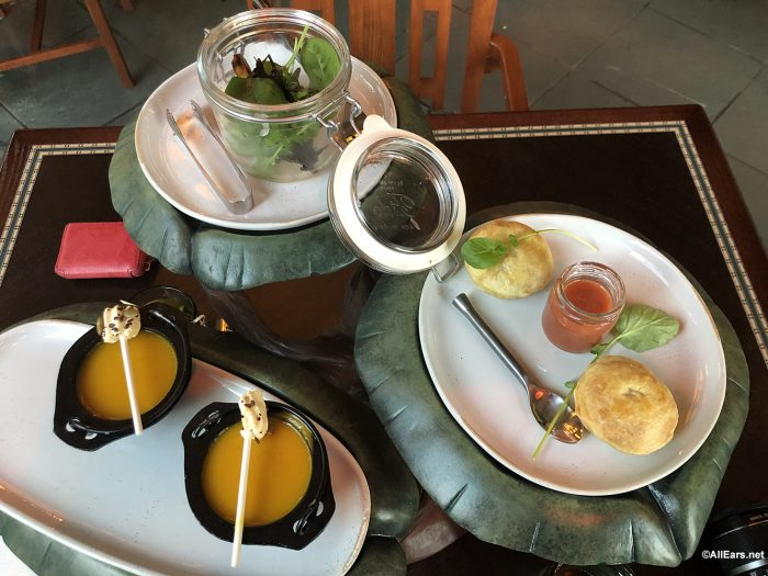 Review New Storybook Dining Character Meal At Artist Point Allears Net