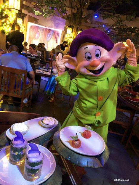 Review New Storybook Dining Character Meal At Artist