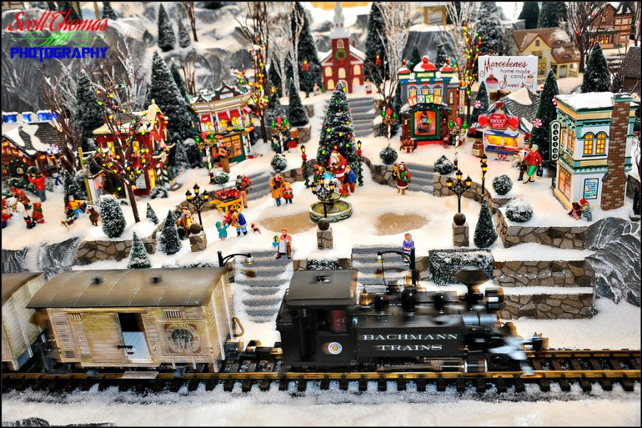 Christmas Model Railway.Disney Pic Of The Week Yacht Club Christmas Train Allears Net