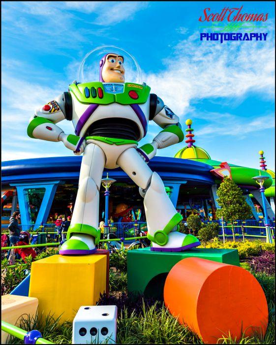 Life sized Buzz Lightyear