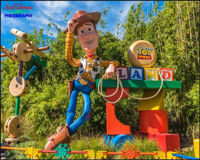 Woody at Toy Story Land Entrance