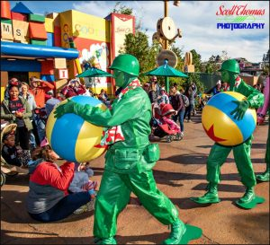 Green Army Men Entertaining