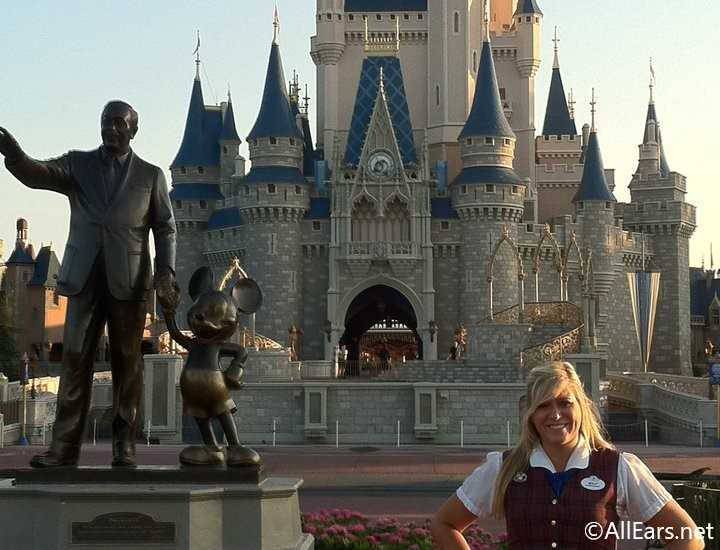 A Former Guest Relations Hostess' Guide to Complaining at Walt Disney World
