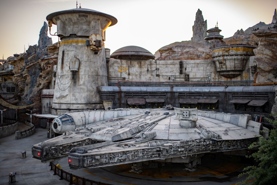 The Top 10 Must Dos In Star Wars Galaxy S Edge Allears Net