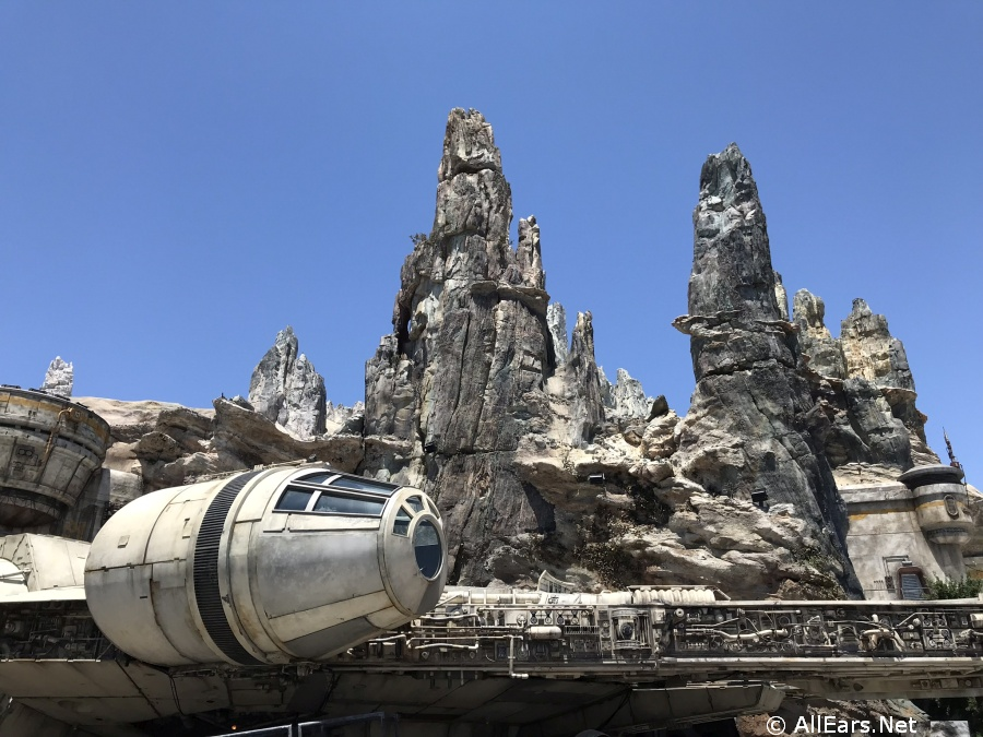 May the Snacks be with You: Three New Menu Items Coming to Disneyland's Galaxy's Edge! - AllEars.Net