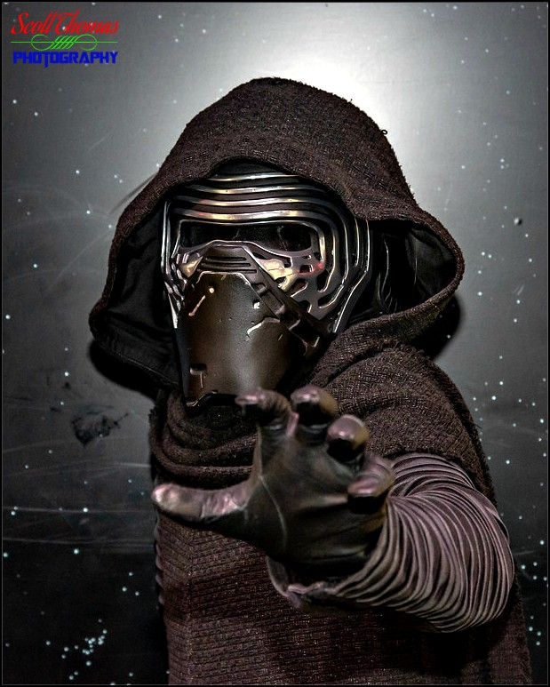 Disney Pic Of The Week Kylo Ren At Star Wars Launch Bay Allears Net