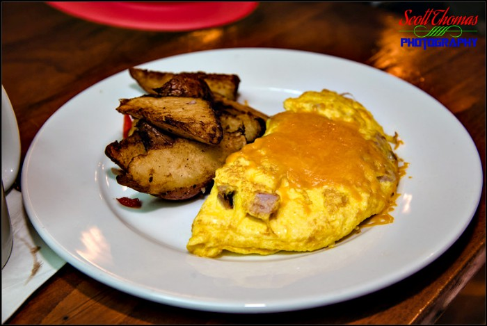 Kona Cafe Ham and Cheese Omelet
