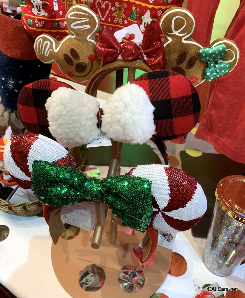 Christmas Minnie Ears 2019.Get A Sneak Peek At Disney World S Holiday Merchandise