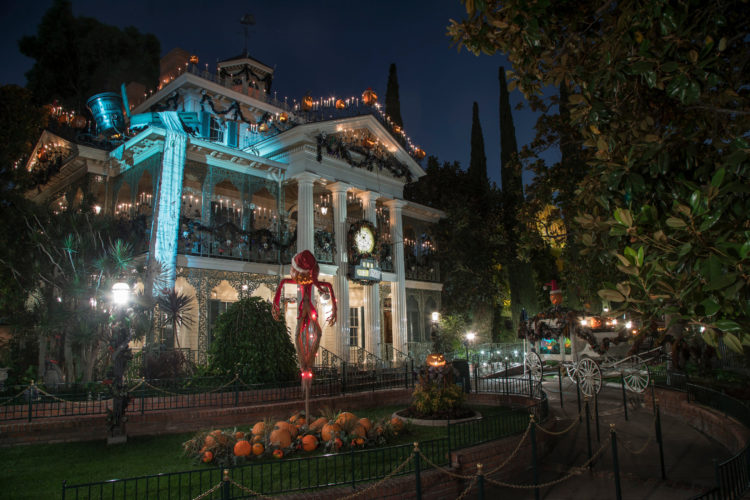 Disney Haunted Mansion Nightmare Before Christmas 2020 Disneyland's Haunted Mansion to Close for Refurbishment in 2020