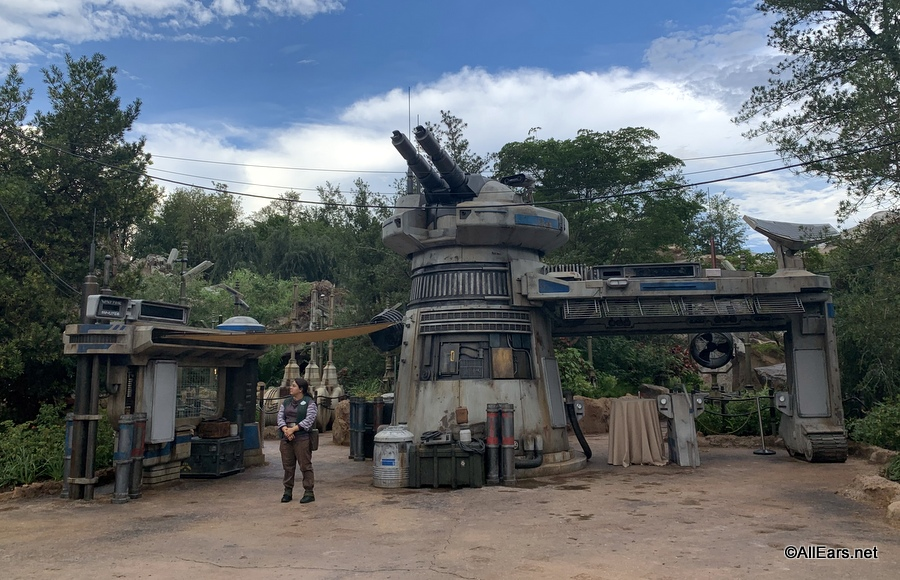 Why Was Disney World's Galaxy's Edge Dead? Was It All Dorian's Fault or Was There Another Force?