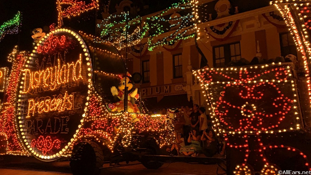 First Photos Main Street Electrical Parade Returns To