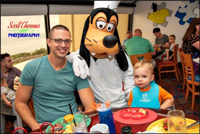 Chef Mickeys Character Meal with Goofy