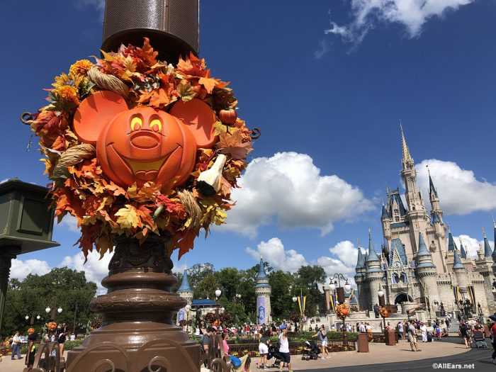 Disney World Halloween Decorations 2020 Disney World WILL Be Bringing Its Fall Decorations Back for