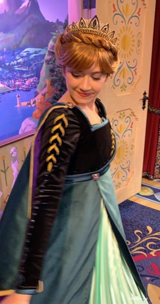 First Look New Costumes For Anna And Elsa At Epcot And