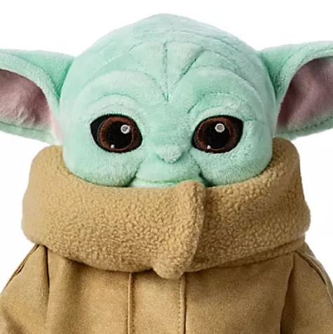 New Look At The Baby Yoda Plush Allears Net Part of the reason the big reveal in the series premiere is so remarkable is that lucas has long advocated baby yoda's force powers also draw a direct line to the jedi, an order that seems to have been long forgotten by the time of the new republic. allears net