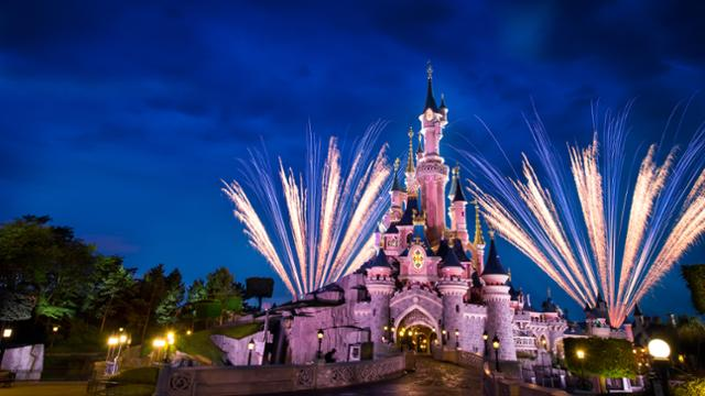 Disneyland Paris Will Be Streaming Their Parades And Fireworks Shows Allears Net