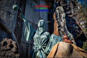 Jedi Statue