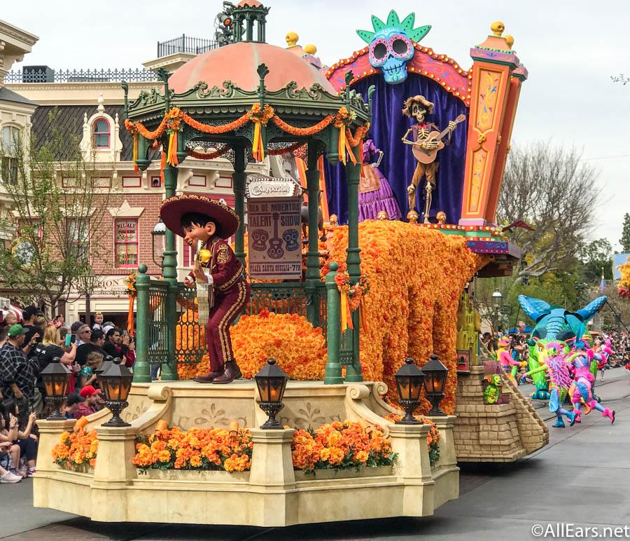 Build Your Own Disney Parade at Home with Disney Paper Parks! - AllEars.Net