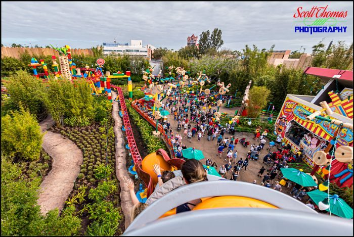 Slinky Dog Dash Fisheye 1B