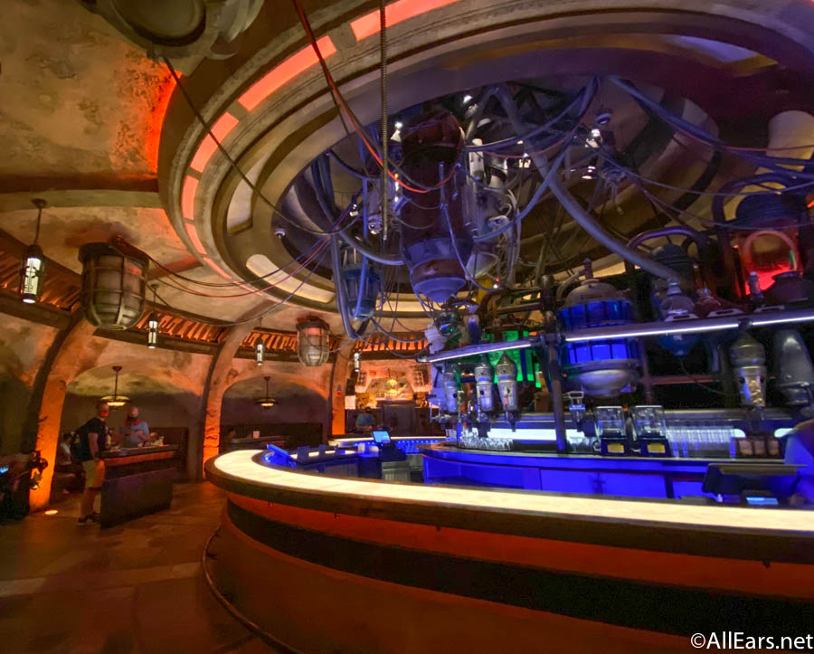 Ogas Cantina Galaxys Edge Disneys Hollywood Studios Reopening 3 1