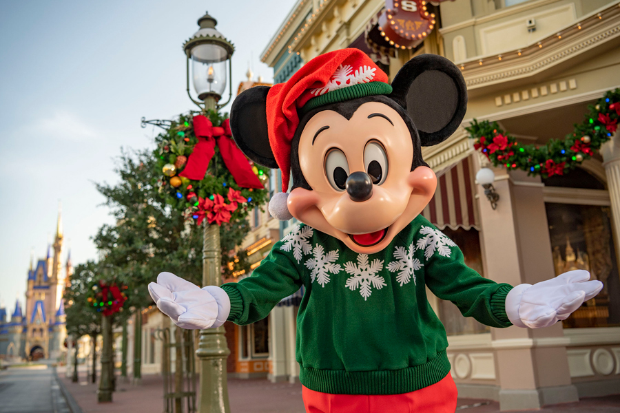 NEWS! A 'Reimagined' Disney Parks Holiday Special Will Air on Christmas Day! - AllEars.Net