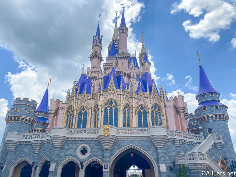 18 Things You Didn T Know About Walt Disney World S Cinderella Castle Allears Net