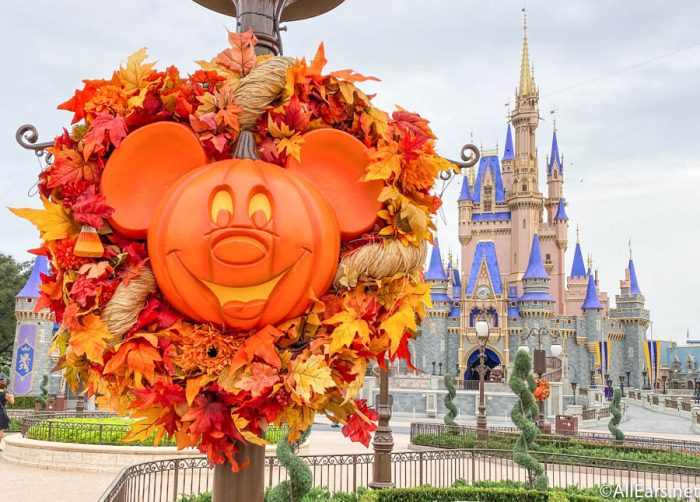 When Does Disney World Decorate For Halloween 2020 PHOTOS: Magic Kingdom is Officially Decorated for Fall in Disney