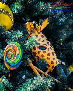 Animal Kingdom Christmas Giraffe Ornament