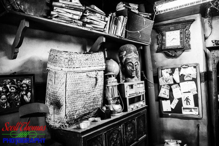 Expedition EVEREST Messy Travel Agency Office