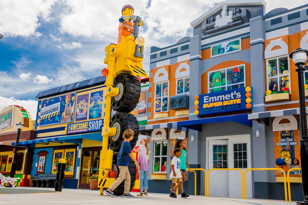 NEWS: Legoland California Shares Opening Date For Lego Movie World! - AllEars.Net