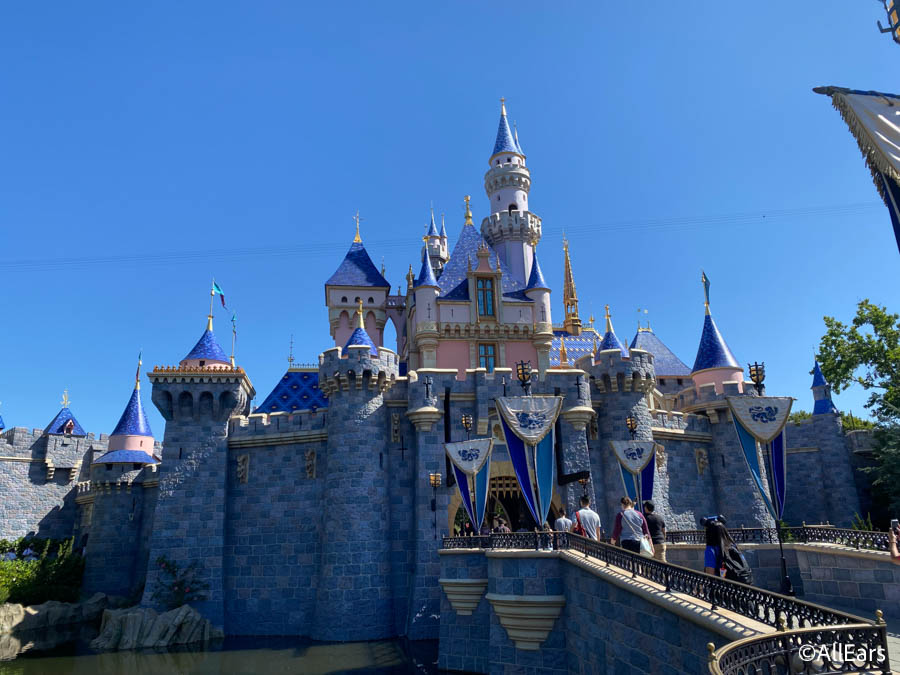 When Will We See The Replacement For Disneyland's Passholder Program? - AllEars.Net
