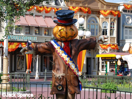 Pumpkin Scarecrows in Magic Kingdom