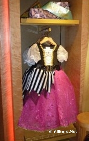 bibbidi-bobbidi-boutique-on-fantasy