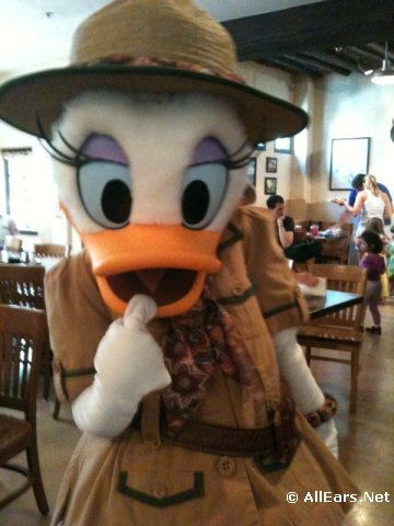 daisy-duck-at-tusker-house.jpg