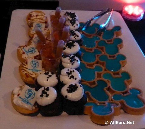 ferrytale-wishes-dessert-cruise-25.jpg