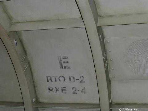 jock-lindseys-hangar-bar-144.jpg