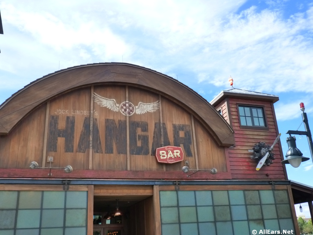 REVIEW: Jock Lindsey's Hangar Bar