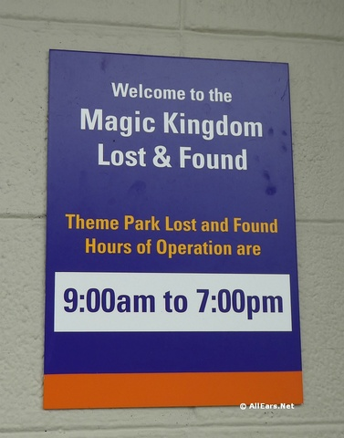 walt-disney-world-lost-and-found-03.jpg