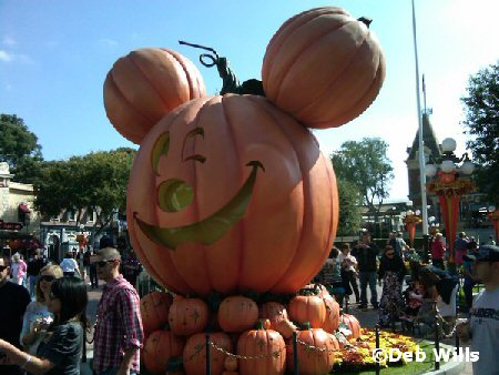 Pumpkin Mickey Photo Op