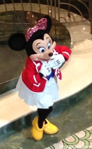 Disney-fantasy-minnie-mouse.JPG