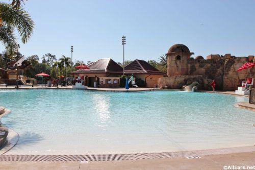 Caribbean Beach Fuentes del Morro pool