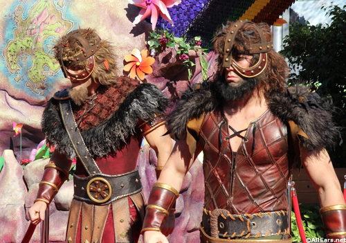 costumes-5.jpg