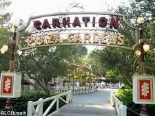 Disneyland Plaza Gardens