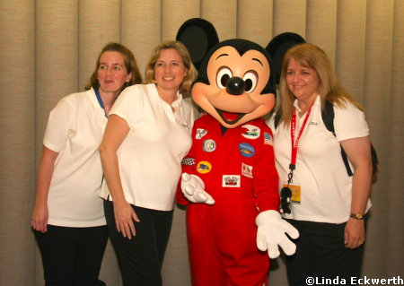 MouseFanTravel Colleen, Annette, Beci and Mickey