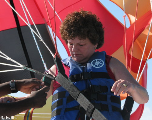 LindaMac gets ready to para sail