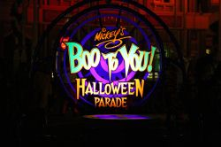 mickeys-boo-to-you-parade-3t.JPG