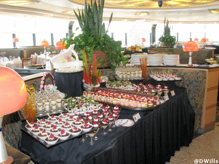 Palo Brunch Dessert Table