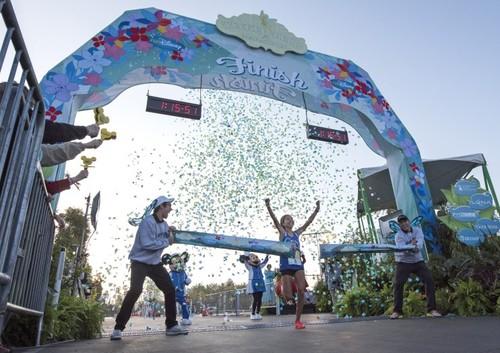 Southern California's Moreno Shatters Tinker Bell Half Marathon Record at Disneyland Resort